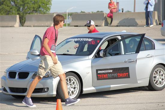 Teen Smart Driving >> Bridgestone S Teens Drive Smart Driving Experience In