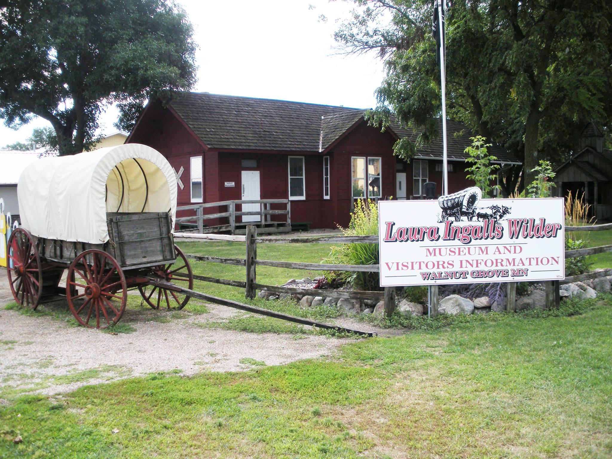 Little House on the Prairie Cast Reunion in Walnut Grove - Thrifty