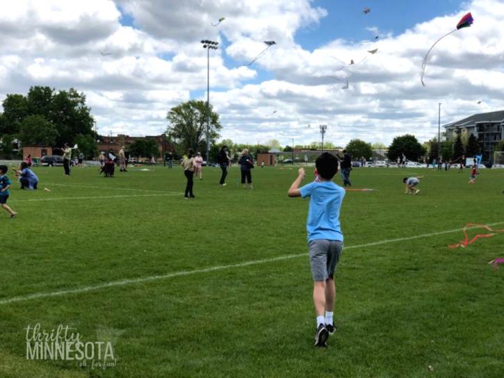 Kiwanis Kite Fly St. Louis Park