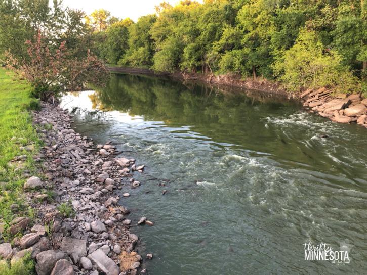 Estherville IA Des Moines River
