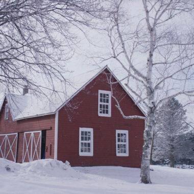 Carriage-House-Erickson-Farmstead-Christmas-Movie