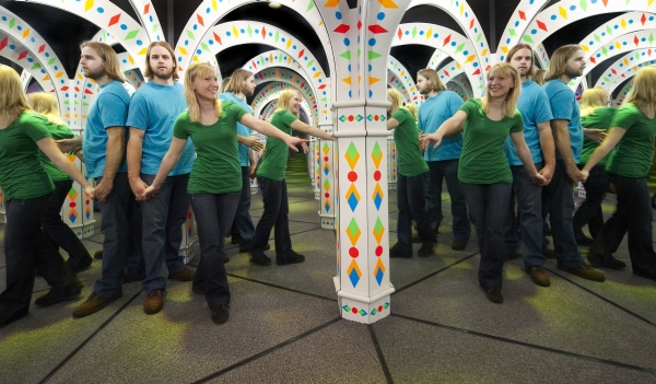 couple on a date in Amazing Mirror Maze
